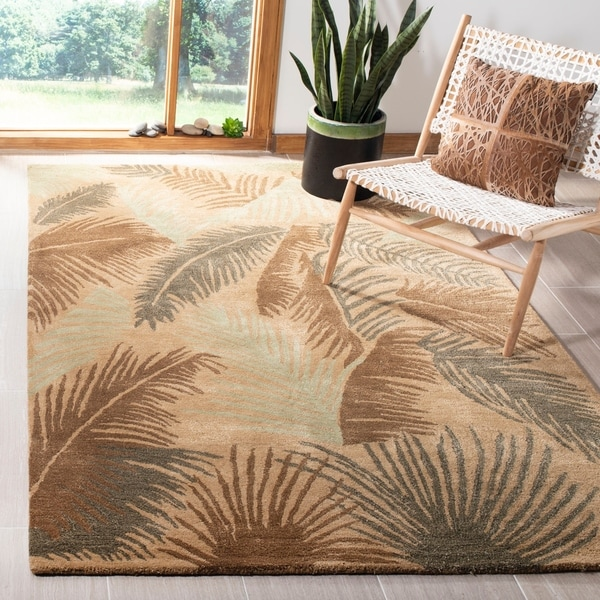 "Safavieh Handmade Ferns Gold New Zealand Wool Rug - 8'3"" x 11'"