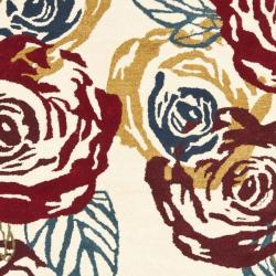 Safavieh Handmade Roses Ivory New Zealand Wool Rug (8'3 x 11') - Thumbnail 2