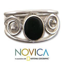 Handmade Sterling Silver 'Balinese Grace' Onyx Ring (Indonesia)
