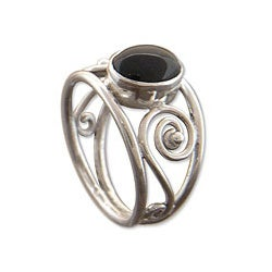 Sterling Silver 'Balinese Grace' Onyx Ring (Indonesia)
