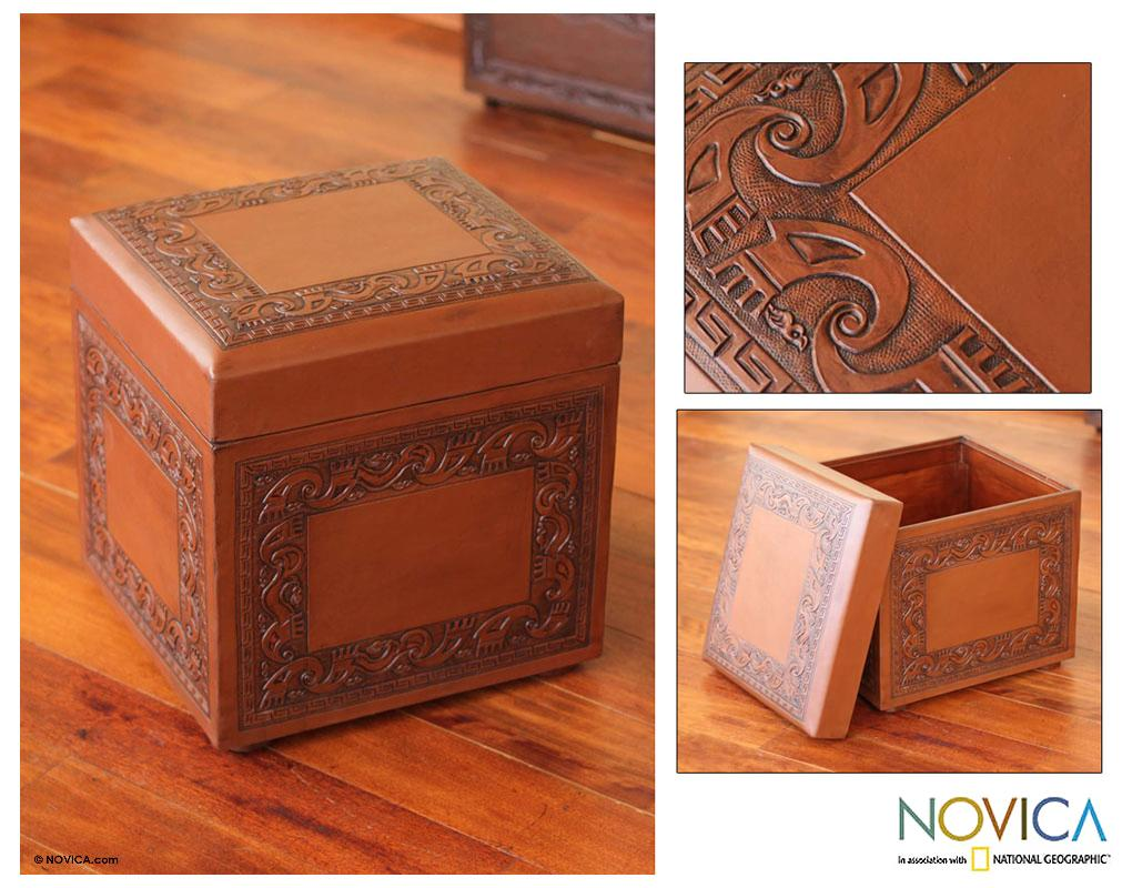 Handmade Mohena Wood and Leather 'Flight of the Condor' Ottoman (Peru)