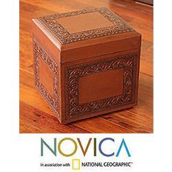 Handmade Mohena Wood and Leather 'Flight of the Condor' Ottoman (Peru)