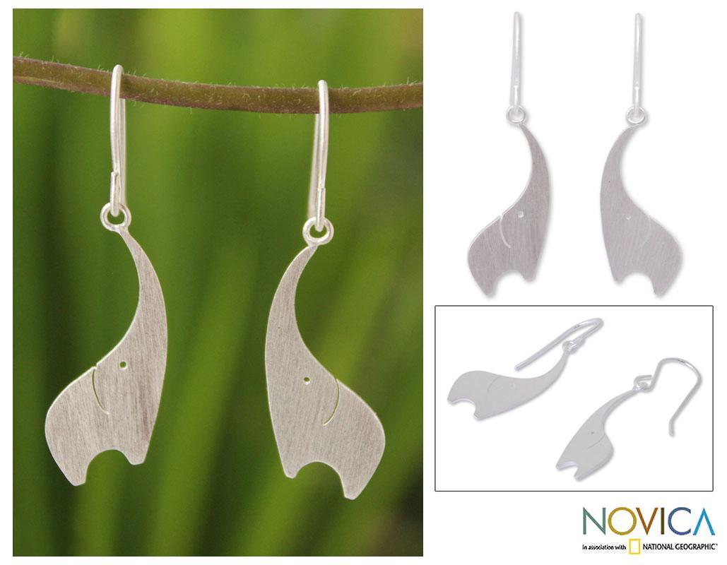 Handmade Sterling Silver 'Elephant Greeting' Dangle Earrings (Thailand)