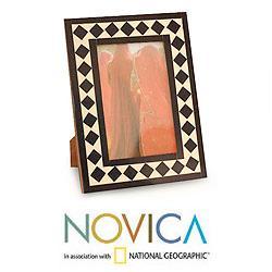 Handcrafted Bone 'Vintage Harlequin' Photo Frame (India) - Thumbnail 1