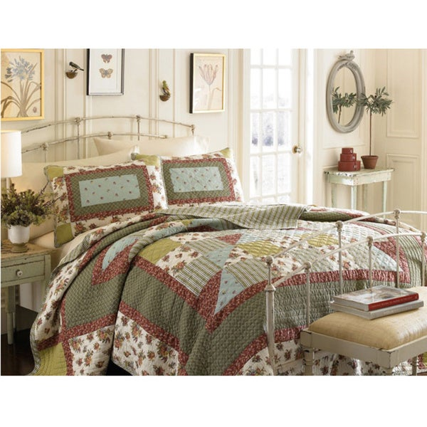 Laura Ashley Wakefield Full/Queen-size 3-piece Quilt Set