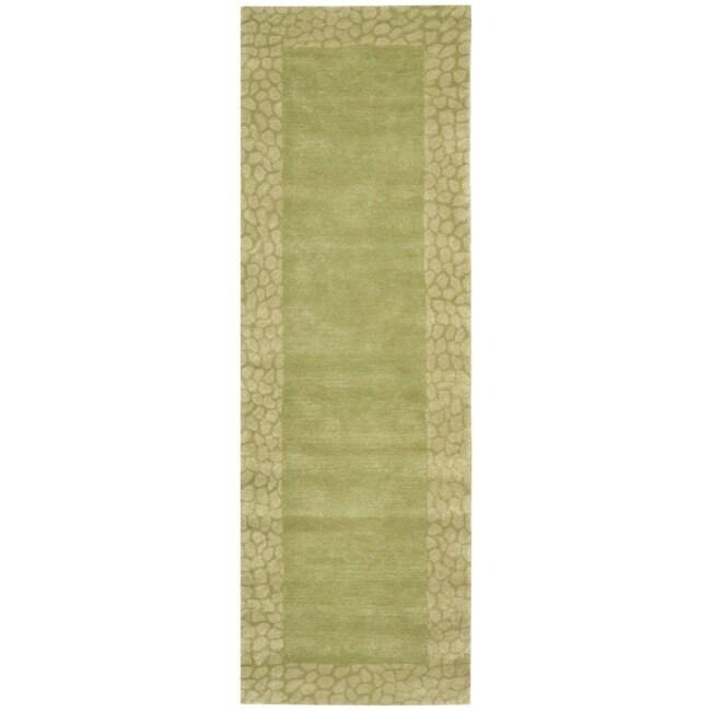 Safavieh Handmade Borders Green New Zealand Wool Rug (2'6 x 8')