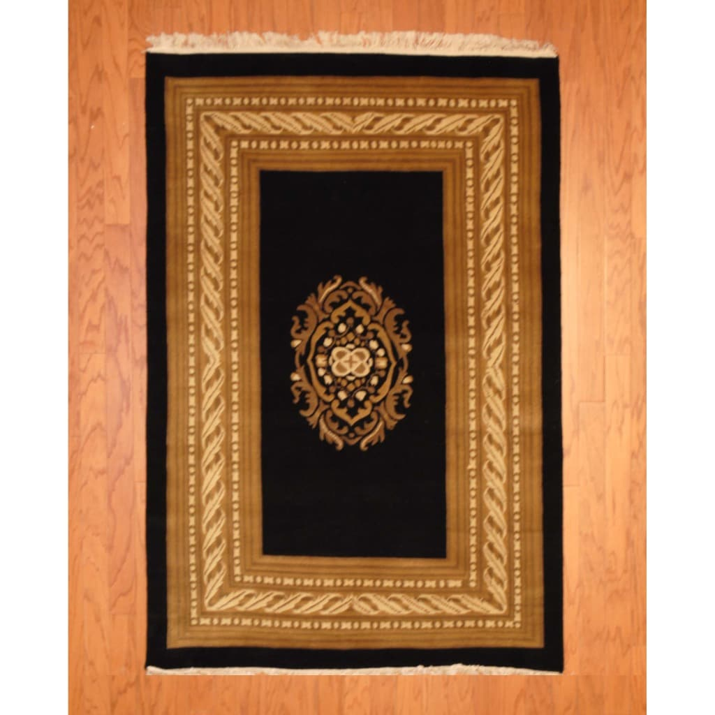 Indo Hand-knotted Tibetan Black/ Ivory Wool Rug (3'11 x 5'11)