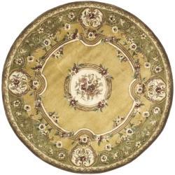 Safavieh Handmade Classic Saveh Light Gold/ Green Wool Rug (6' Round)