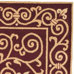 Safavieh Hand-hooked Chelsea Irongate Burgundy Wool Rug (5'3 x 8'3) - Thumbnail 1