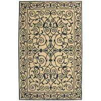 Safavieh Hand-hooked Chelsea Irongate Ivory/ Blue Wool Rug - 7'6 x 9'9
