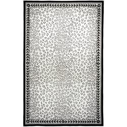 Safavieh Hand-hooked Chelsea Leopard White Wool Rug (5'3 x 8'3)