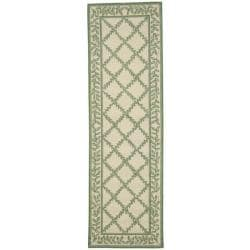 Safavieh Hand-hooked Trellis Ivory/ Light Green Wool Rug (2'6 x 6')