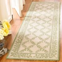 "Safavieh Hand-hooked Trellis Ivory/ Light Green Wool Rug - 2'6"" x 6'"