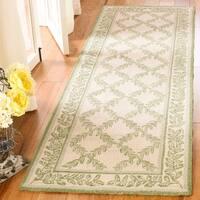 "Safavieh Hand-hooked Trellis Ivory/ Light Green Wool Rug - 2'6"" x 8'"