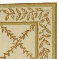 Safavieh Hand-hooked Trellis Ivory/ Beige Wool Rug (2'6 x 12') - Thumbnail 1