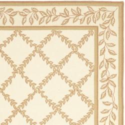 Safavieh Hand-hooked Trellis Ivory/ Beige Wool Rug (7'6 x 9'9)