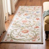 "Safavieh Hand-hooked Garden Scrolls Ivory Wool Rug - 1'-8"" x 2'-6"""