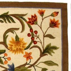Safavieh Hand-hooked Garden Scrolls Ivory Wool Rug (5'3 x 8'3)