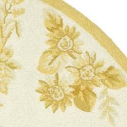 Safavieh Hand-hooked Hens Ivory/ Gold Wool Rug (7'6 x 9'6 Oval) - Thumbnail 1