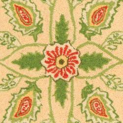 Safavieh Hand-hooked Bedford Beige/ Green Wool Rug (2'9 x 4'9) - Thumbnail 2