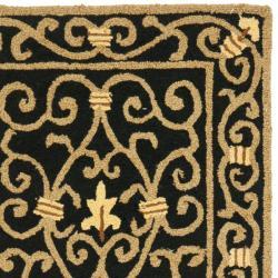 Safavieh Hand-hooked Chelsea Irongate Black Wool Rug (2'6 x 10') - Thumbnail 1