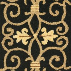 Safavieh Hand-hooked Chelsea Irongate Black Wool Rug (2'6 x 10') - Thumbnail 2