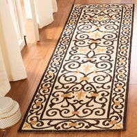 "Safavieh Hand-hooked Chelsea Irongate Ivory Wool Rug - 2'6"" x 10'"