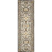 "Safavieh Hand-hooked Chelsea Irongate Ivory Wool Rug (2'6 x 8') - 2'6"" x 8'"