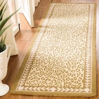 "Safavieh Hand-hooked Chelsea Leopard Ivory Wool Rug - 2'6"" x 6'"