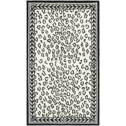 Safavieh Hand-hooked Chelsea Leopard White Wool Rug (2'6 x 4')