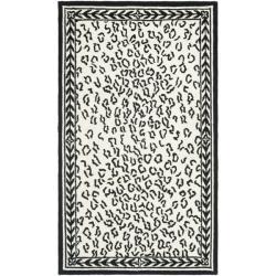 Safavieh Hand-hooked Chelsea Leopard White Wool Rug (2'9 x 4'9) - 2'9 x 4'9 - Thumbnail 0
