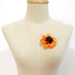 Orange Blossoms Dyed Mother of Pearl Brooch (Thailand) - Thumbnail 2