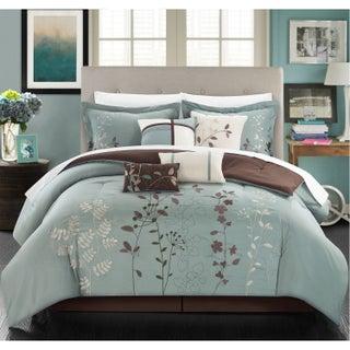 The Grey Barn Doelger Aqua Blue Floral Pring 8-piece Bed in a Bag Set