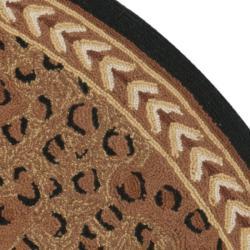 Safavieh Hand-hooked Chelsea Leopard Brown Wool Rug (5'6 Round) - Thumbnail 1