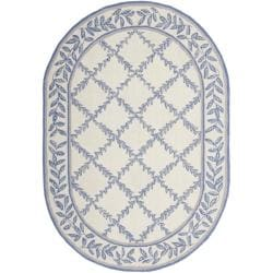 Safavieh Hand-hooked Trellis Ivory/ Light Blue Wool Rug (4'6 x 6'6 Oval)