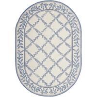 """Safavieh Hand-hooked Trellis Ivory/ Light Blue Wool Rug - 7'6"""" x 9'6"""" oval"""