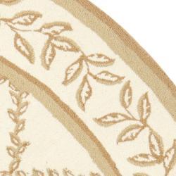 Safavieh Hand-hooked Trellis Ivory/ Beige Wool Rug (5'6 Round) - Thumbnail 1