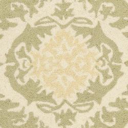 Safavieh Hand-hooked Chelsea Heritage Beige Wool Rug (1'8 x 2'6) - Thumbnail 2