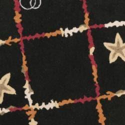 Safavieh Hand-hooked Gold Fish Black Wool Rug (8' Round) - Thumbnail 2