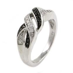 Beverly Hills Charm Silver 1/6ct TDW Black and White Diamond Ring (Size 7) - Thumbnail 1