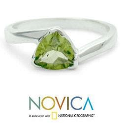 Handmade Sterling Silver 'Scintillating Jaipur' Peridot Ring (India)
