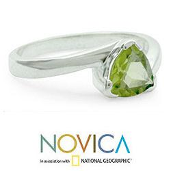 Handmade Sterling Silver 'Scintillating Jaipur' Peridot Ring (India) - Thumbnail 2