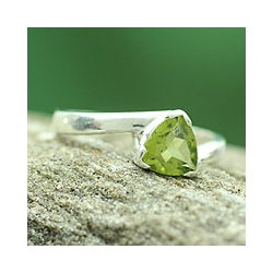 Sterling Silver 'Scintillating Jaipur' Peridot Ring (India)