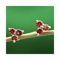 Handmade Sterling Silver 'Chennai Stars' Garnet Earrings (India)