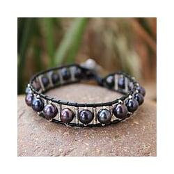 Silver 'Black Azalea' Leather and Pearl Bracelet (7 mm) (Thailand)