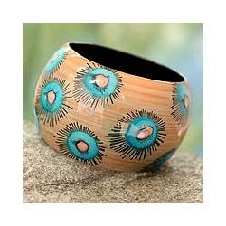 Handcrafted Poplar Wood 'Blue Anemone' Bangle Bracelet (India)
