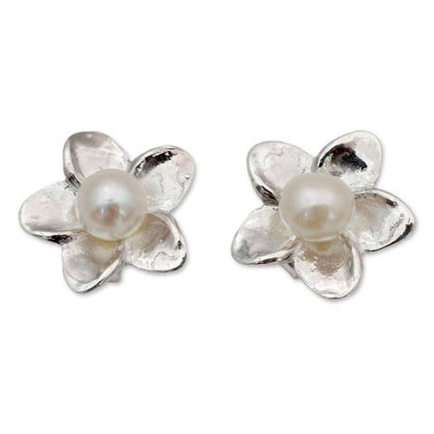 Handmade Sterling Silver 'White Jasmine' Pearl Earrings (4 mm) (India)