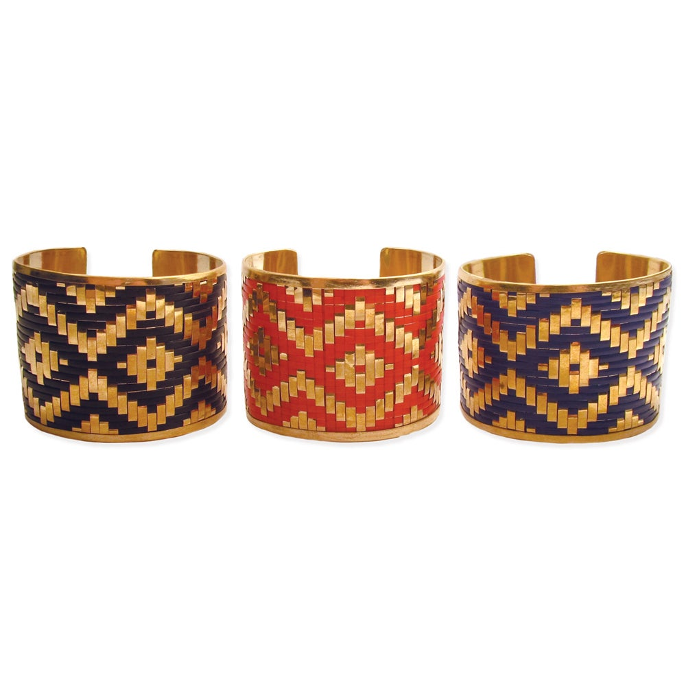Handmade Goldtone Metal with Ikat Design Cuff Bracelet (India)