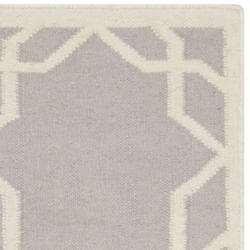 Safavieh Transitional Moroccan Reversible Dhurrie Grey/Ivory Wool Rug (3' x 5') - Thumbnail 1