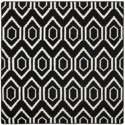 Safavieh Moroccan Reversible Dhurrie Dense-Pile Black/Ivory Wool Rug (6' Square)